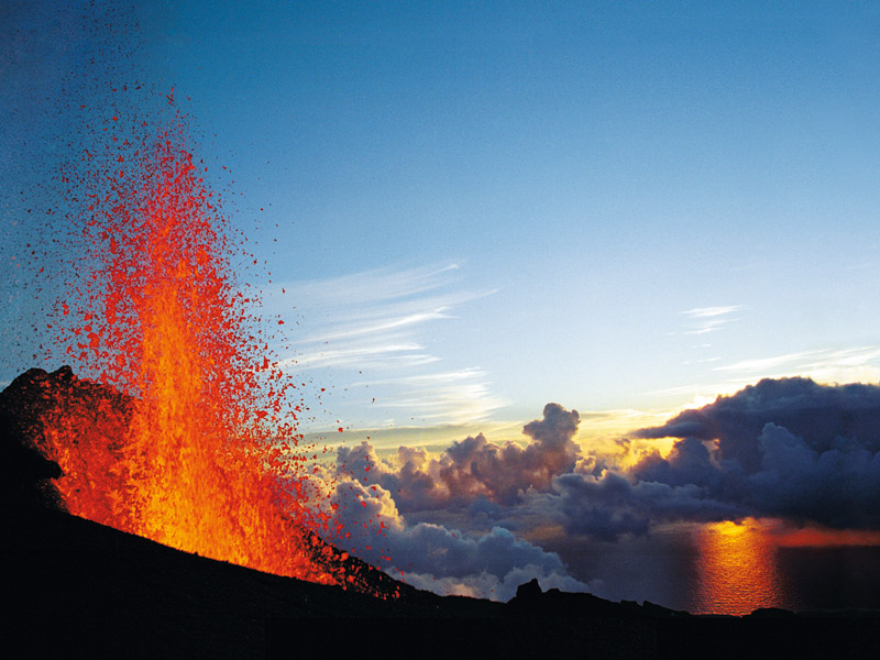 最新消息:富尔奈斯火山